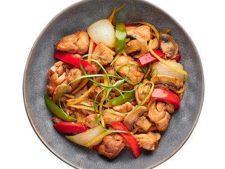 Пикантно пиле с джинджифил по тайландски