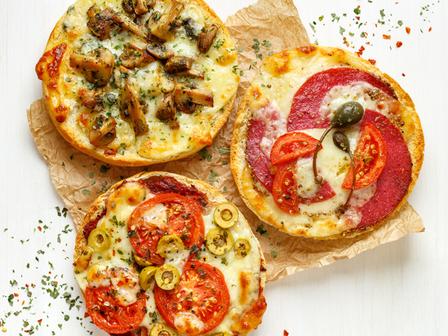 Минипици с хляб