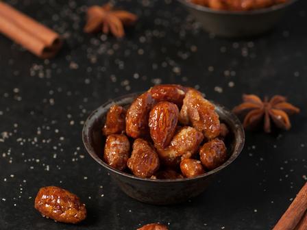 Канелено-карамелени бадеми