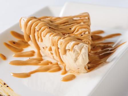 Домашна сладоледена торта с карамел
